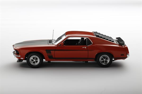 Welly_1969_Ford_Mustang_118_2.jpg