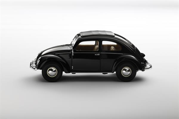 Welly_Volkswagen_Classic_Beetle_schwarz_118_2.jpg