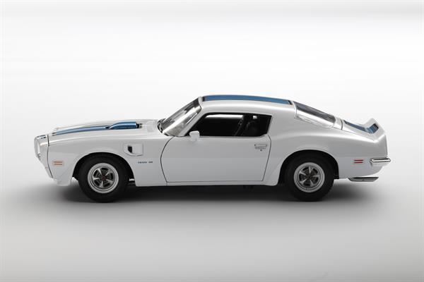 Welly_1972_Pontiac_Firebird_Trans_Am_weiss_118_2.jpg