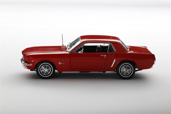 Welly_1964_12_Ford_Mustang_rot_118_2.jpg