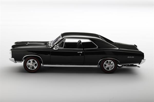 Welly_1966_Pontiac_GTO_schwarz_118_2.jpg