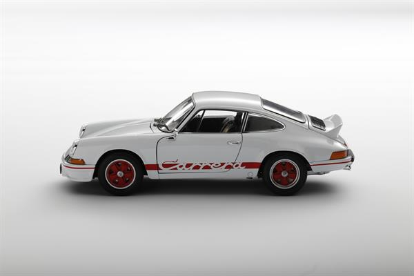 Welly_1973_Porsche_911_Carrera_RS_weiss_118_2.jpg
