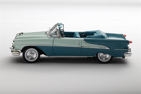 Welly_1955_Oldsmobile_Super_88_tuerkis_118_2.jpg